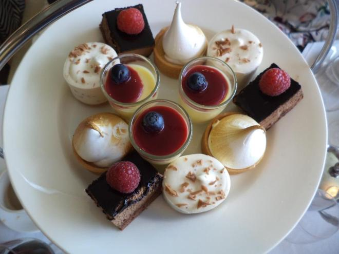 afternoon tea lyrath estate kilkenny ireland the two darlings review mummy blogger ireland deserts