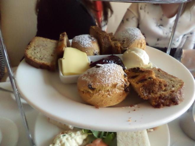 afternoon tea lyrath estate kilkenny ireland the two darlings review mummy blogger ireland scones