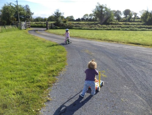toddler and baby activities outdoors keeping children entertained outside the two darlings mummy blogger ireland